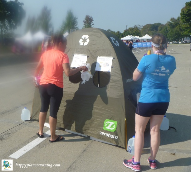 Detroit Womens Half - runners using tent