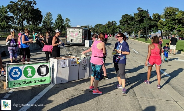 Detroit Womens Half 2018 - Catherine assisting at station