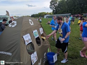 Oberun Ypsi 2019 - Runner using station outside beer area