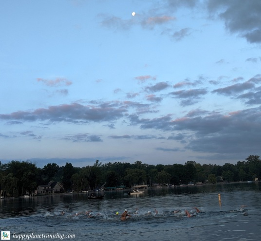 Swim to the Moon 2019 - 10K elite wave starts with moon above
