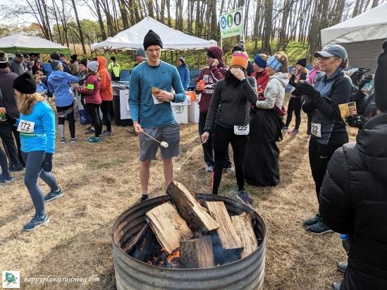 Bonfyre 2019 - people roasting marshmallows